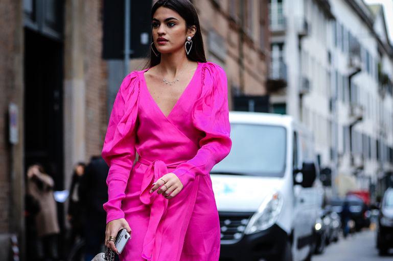 Kolor różowy w stylizacjach na jesień