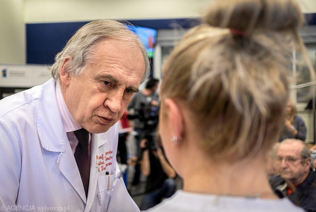 Prof. Marian Zembala przeszedł udar. Apeluje do Polaków o regularne badanie ciśnienia
