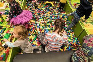 Czarny piątek. Promocje na Lego robot, Lego City, Lego Duplo Policja, Lego dla dziewczynek. Jakie klocki dla dziecka wybrać?