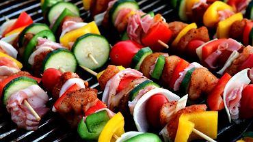 Jak przygotowywać dania bez nadmiaru tłuszczu? Zamiast smażyć - grilluj!