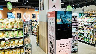 Carrefour stawia na zero waste. W Warszawie kosmetyki wlejesz do własnego opakowania