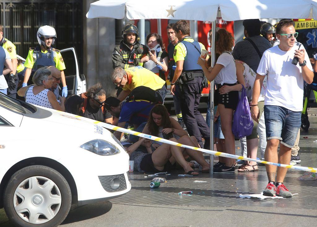 Barcelona. Furgonetka wjechała w tłum