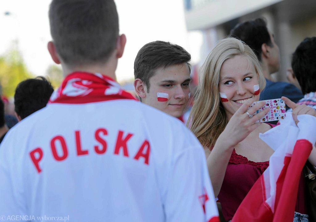Częstochowa. Chwile tuż przed meczem Polska - Iran, rozgrywanym w ramach siatkarskiej Ligi Światowej