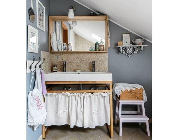 Aranżacje wnętrz: 10 niebanalnych pomysłów na kącik z umywalką