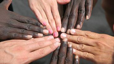 Skąd się bierze i od czego zależy kolor skóry?