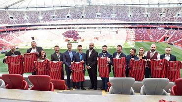 Reprezentanci organizacji grających w Polskiej Lidze Esportowej