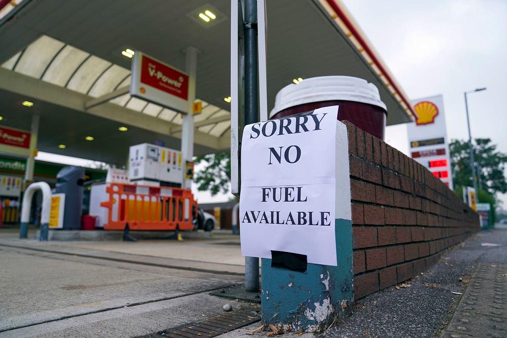 Wielka Brytania. Brakuje paliwa na stacjach, Boris Johnson rozważy 'Operację Escalin'