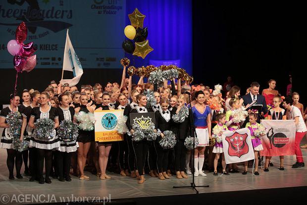 Zdjęcie numer 56 w galerii - Cheerleaderki rywalizują w Kielcach. Bo taniec nie jedną ma twarz [ZDJĘCIA]