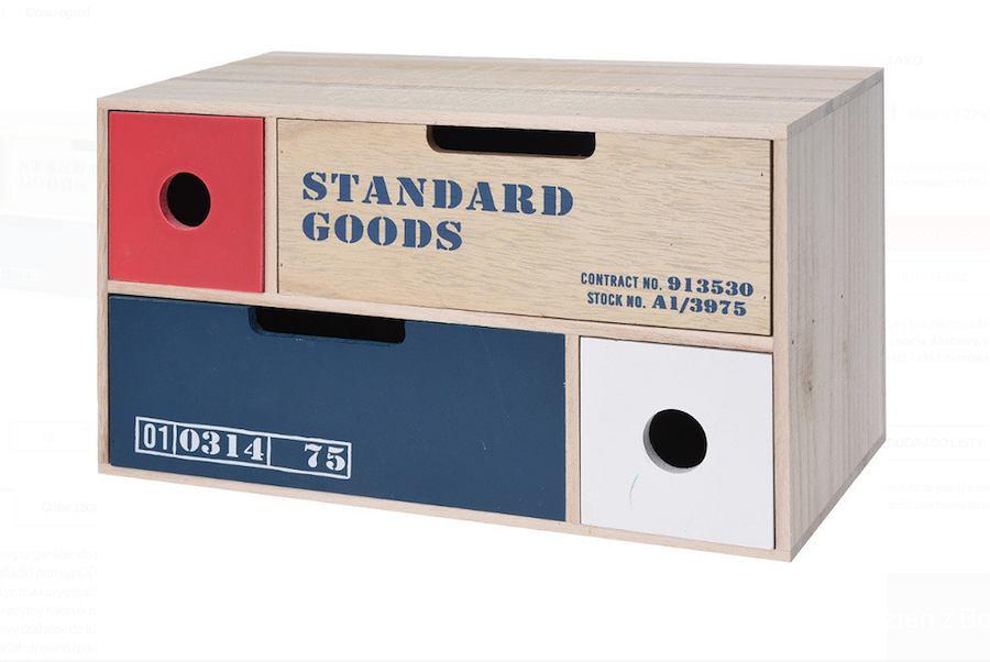 Drewniany organizer na drobiazgi. Posiada 4 szufladki i dekoracyjny nadruk