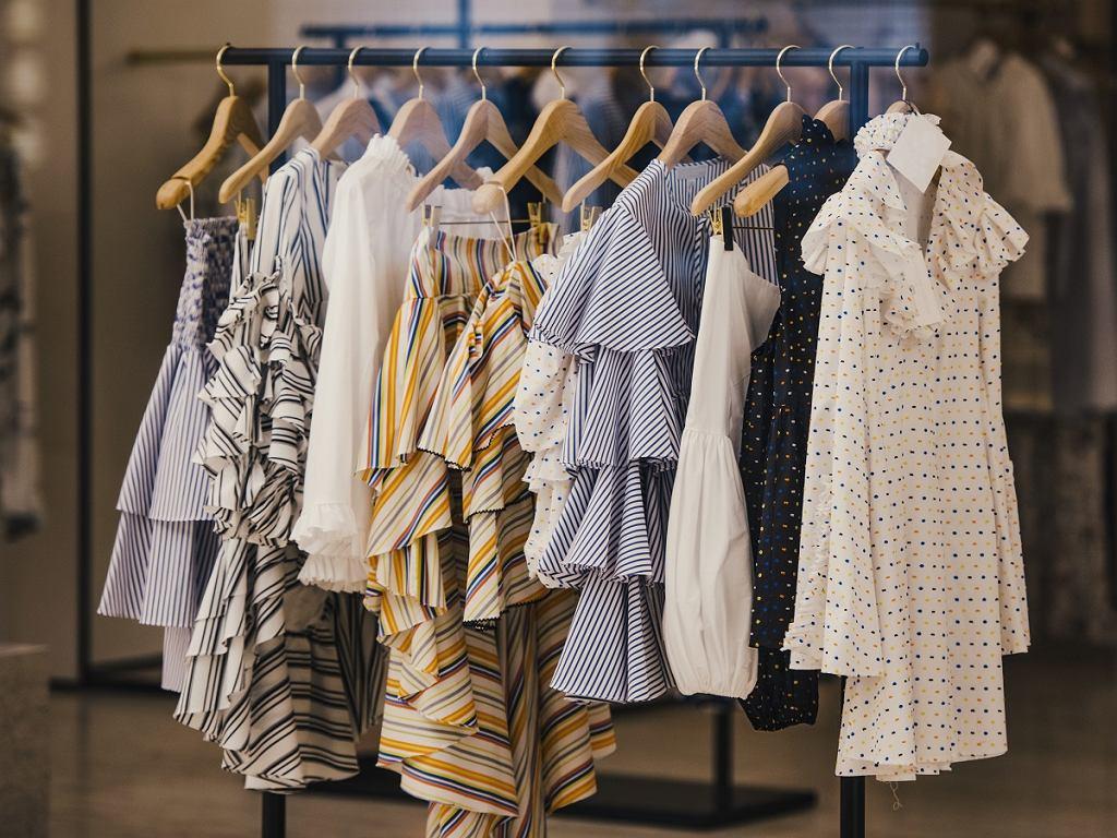 Najmodniejsze sukienki na komunię