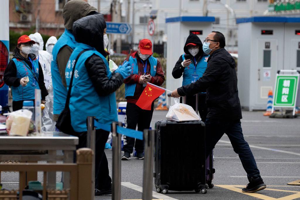 Źródłem nowych infekcji w Chinach są w 90 proc. Chińczycy, którzy wracają do kraju.