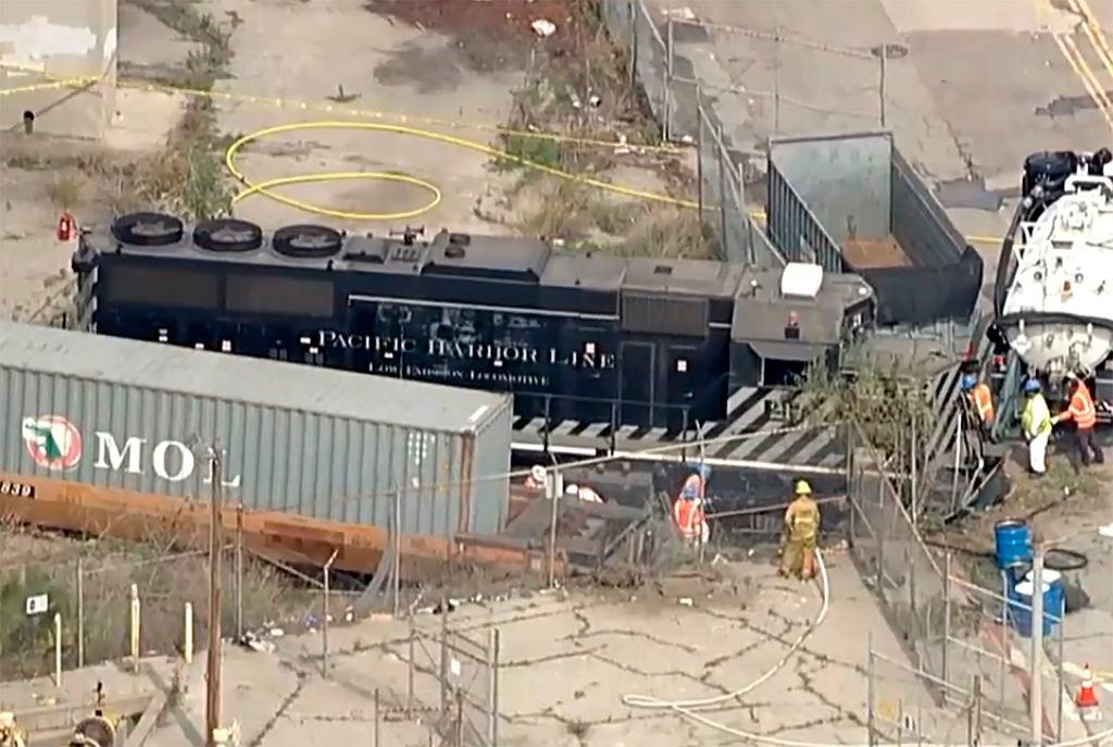 USA. Motorniczy celowo wykoleił pociąg. Celował w okręt szpitalny amerykańskiej marynarki wojennej