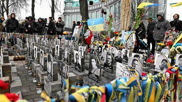 Obchody rocznicy tragicznych wydarzeń na Majdanie. 20 lutego 2014 r. od kul snajperów zginęło tam 80 osób