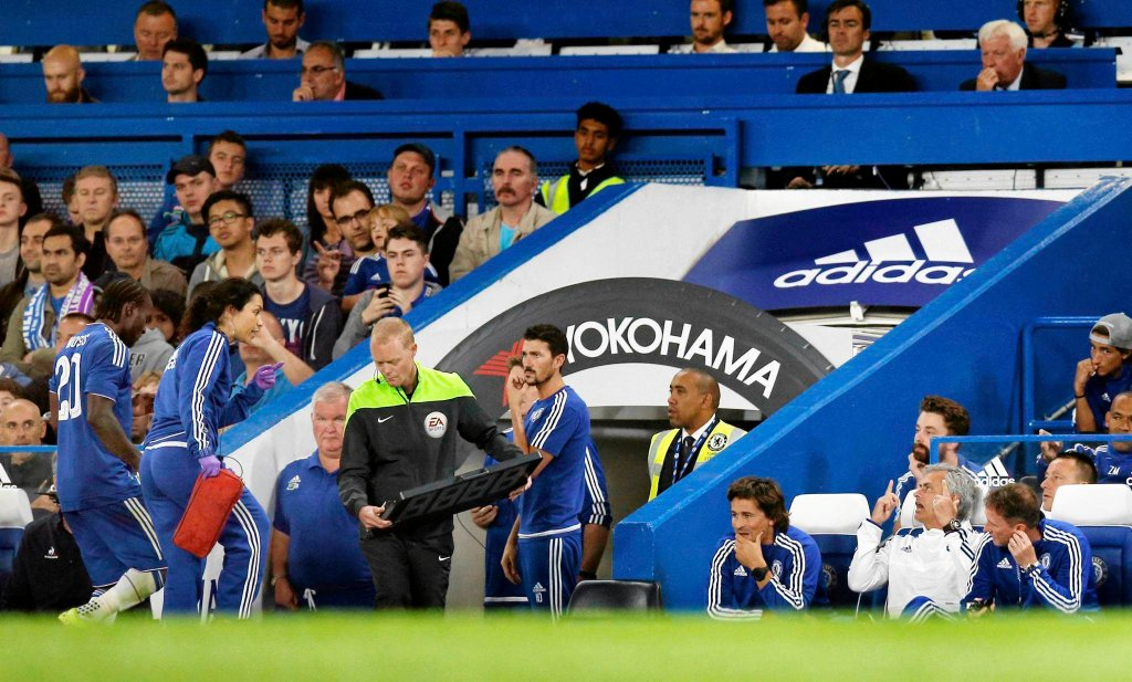Eva Carneiro i Jose Mourinho już tutaj wyglądają, jakby rodził się między nimi mały konflikt