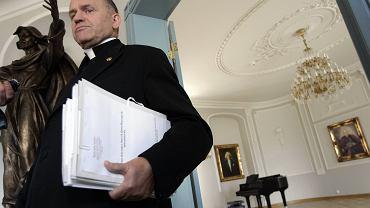 Abp Głódź powołał komisję ws. księdza Jankowskiego