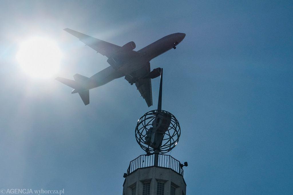 Zakaz lotów przedłużony do 23 maja