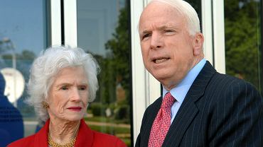 Roberta McCain i John McCain w 2007 roku