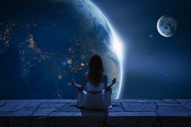 Horoskop dzienny na 5 czerwca. Co dziś dla nas mają gwiazdy? Jak będą się rozwijać sprawy zawodowe, miłosne i finansowe? Znajdź swój znak zodiaku i przeczytaj horoskop, aby dowiedzieć się, co dziś Cię czeka.
