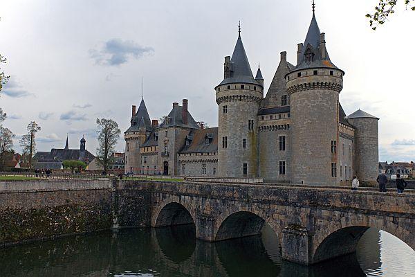 Zamek w Sully-Sur-Loire. Fot. shutterstock