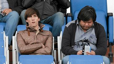 Valdemar Borovskij (z lewej) oglądał z trybun mecz z Podbeskidziem. W Zawiszy jednak nie zagra