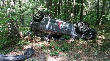 Kołobrzeg. Zderzenie trzech aut, nie żyje jedna osoba. Na miejscu śmigłowiec LPR, wśród rannych dzieci