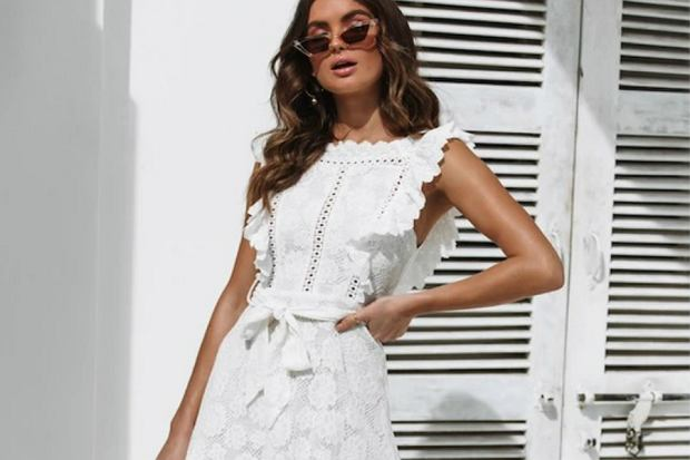 Białe sukienki