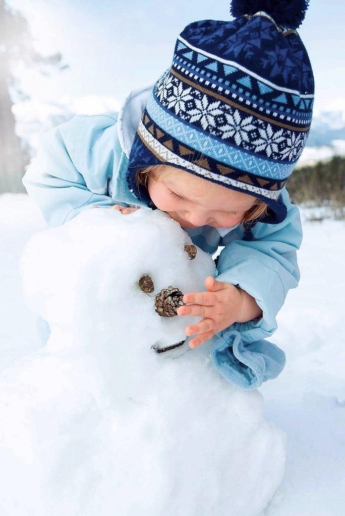 Mroźne powietrze hartuje organizm dziecka.