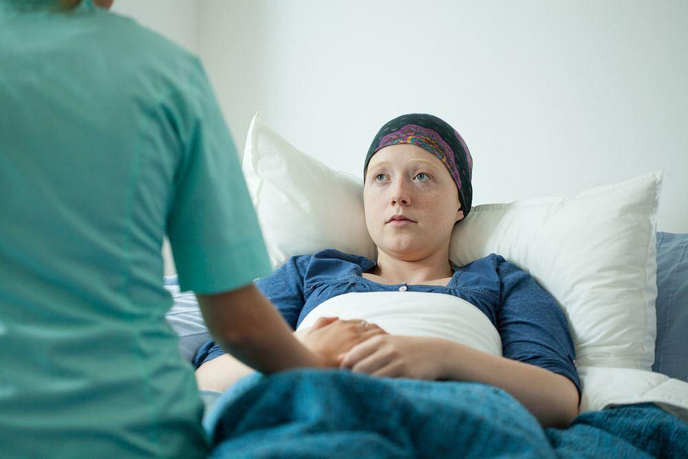 Onkologia to specjalizacja niełatwa dla chorych i lekarzy. Onkolog niejednokrotnie musi być przy swoim pacjencie w najtrudniejszych chwilach życia