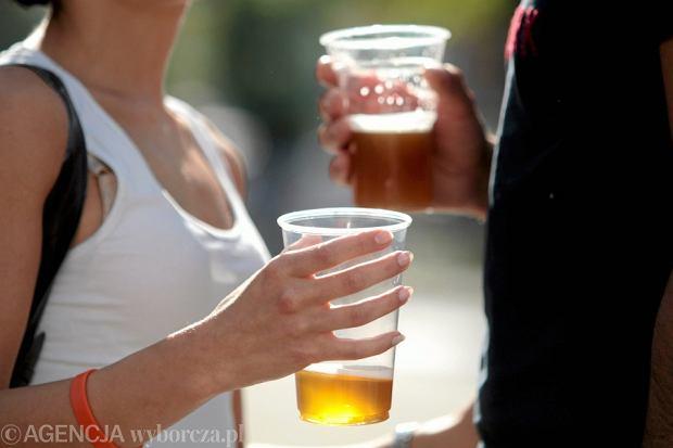Zdjęcie numer 2 w galerii - Nudne małe jasne? Na Dzień Piwa są lepsze propozycje. Podpowiadamy, co jest modne w pubach
