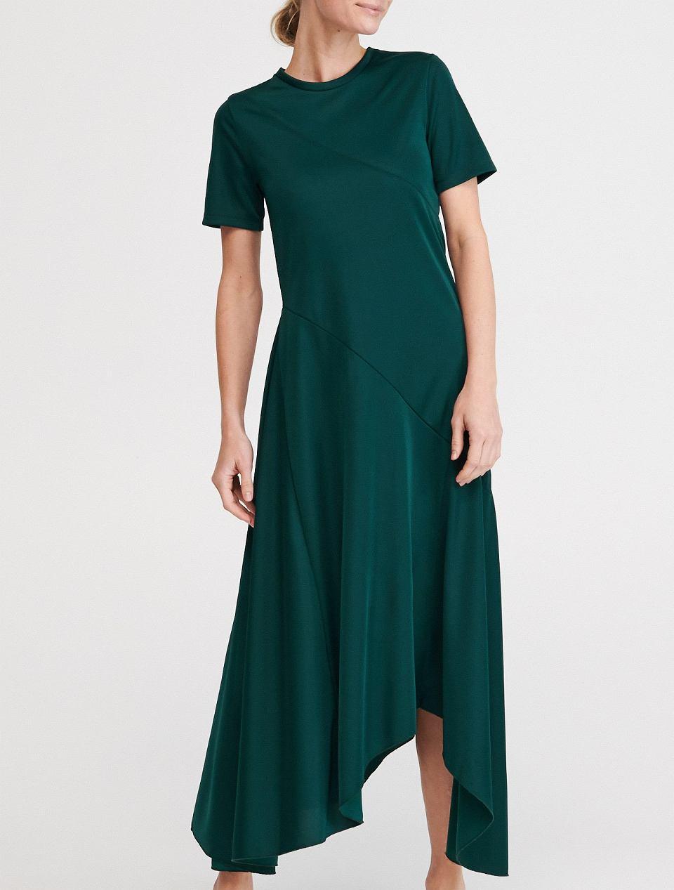 1. Asymetryczna sukienka