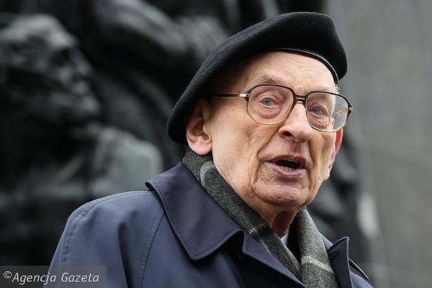 Władysław Bartoszewski podczas obchodów 372. rocznicy wybuchu powstania w getcie warszawskim