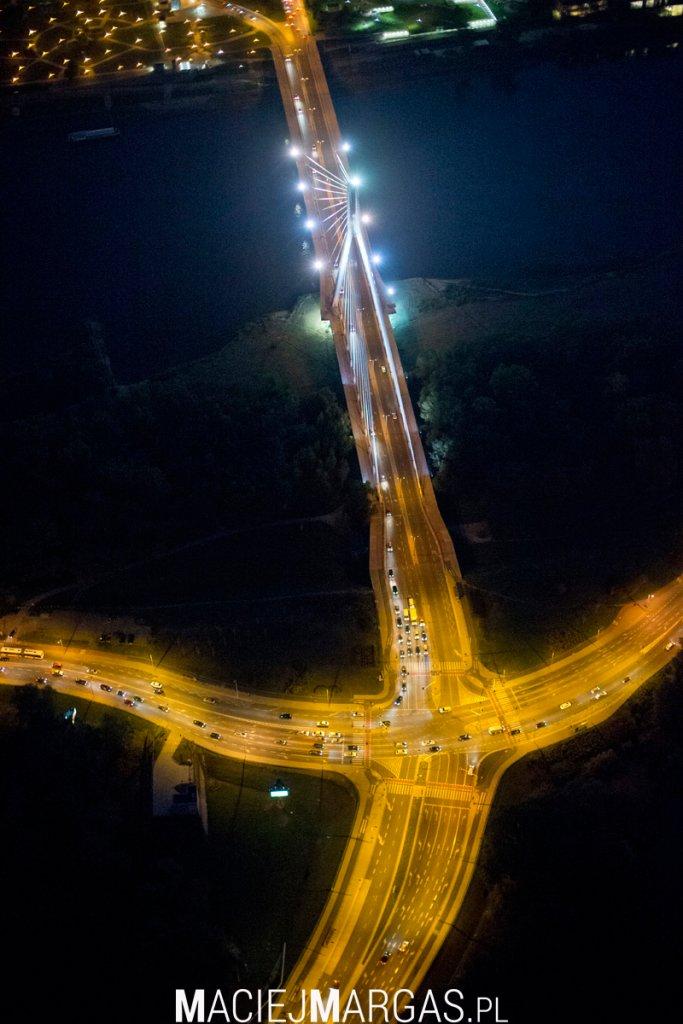 Warszawa z lotu ptaka nocą