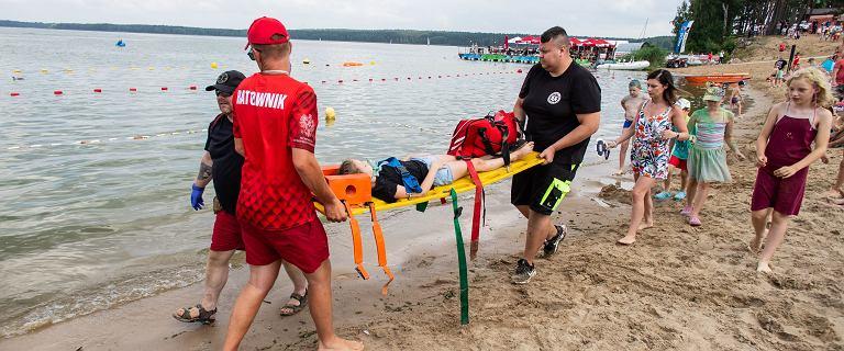"""Rekord utonięć w Polsce. """"Wchodzą do wody i próbują być herosami"""""""