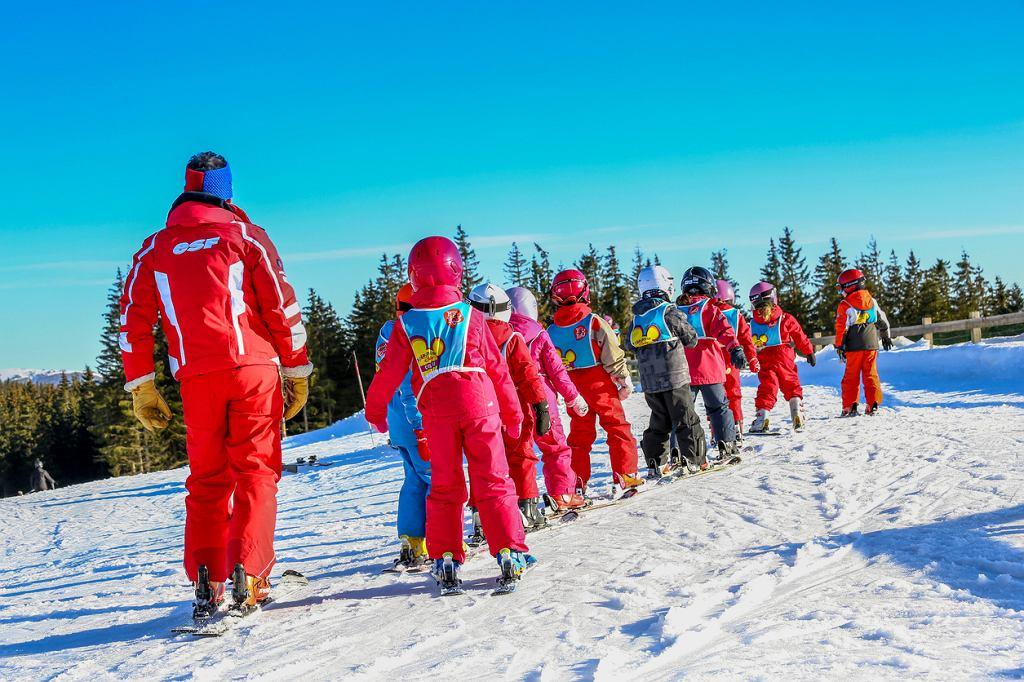 Dziecko wyjeżdża samo na ferie zimowe 2018? Co zrobić, aby wyjazd na ferie był bezpieczny?