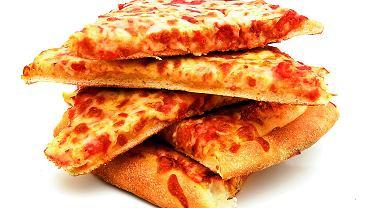 Pizza to nasz ulubiony letni fast food. Sięga po nią 46,2 proc. ankietowanych