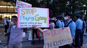 Japończycy protestują pod stadionem olimpijskim