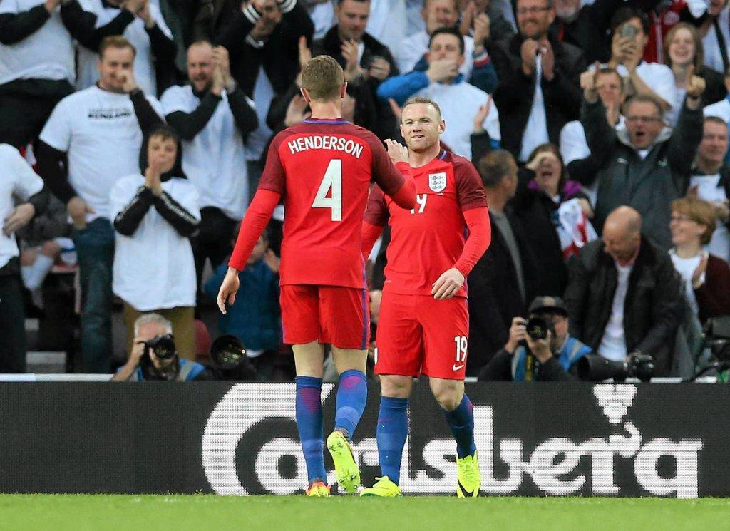 Wayne Rooney i Jordan Henderson