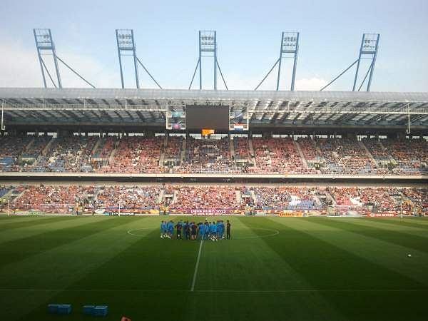 Tłumy kibiców przyszły na stadion Wisły, by zobaczyć trenujących przed pierwszym meczem Euro 2012 Holendrów