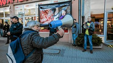 Andrzej Labacha podczas ubiegłorocznego strajku kobiet
