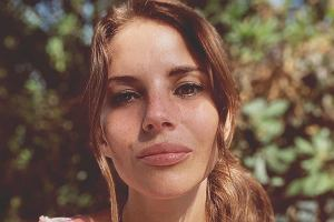 Weronika Rosati zabrała córkę na plażę. Stylizacja Eli zaskakuje