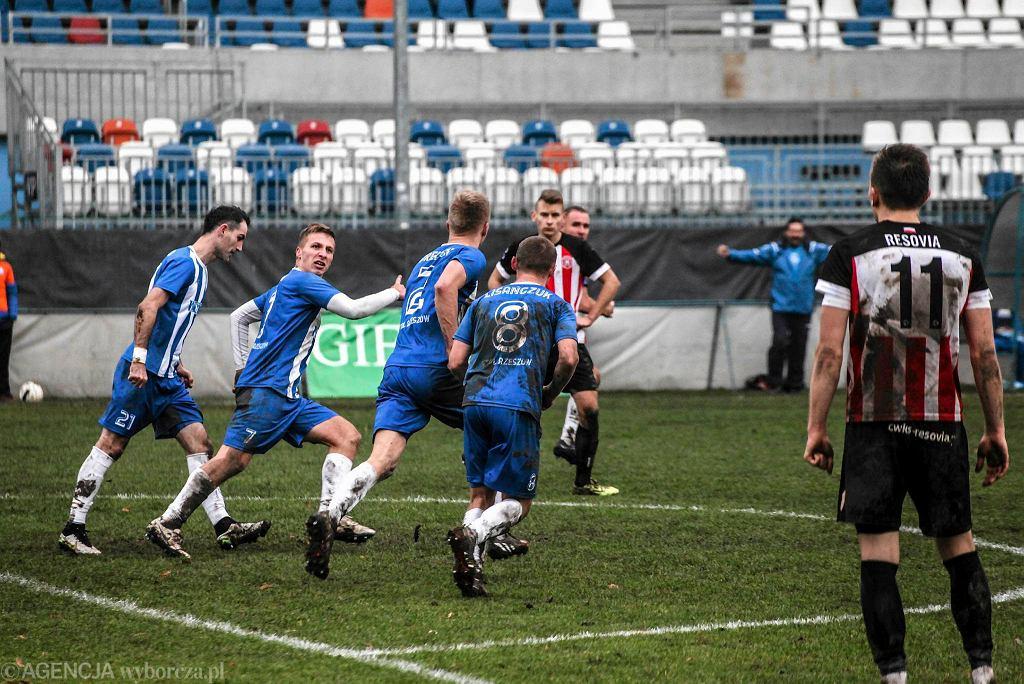 Stal Rzeszów pokonała w derbach Rzeszowa Resovię 3:0