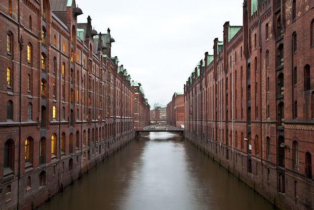 Speicherstadt Hamburg / shutterstock
