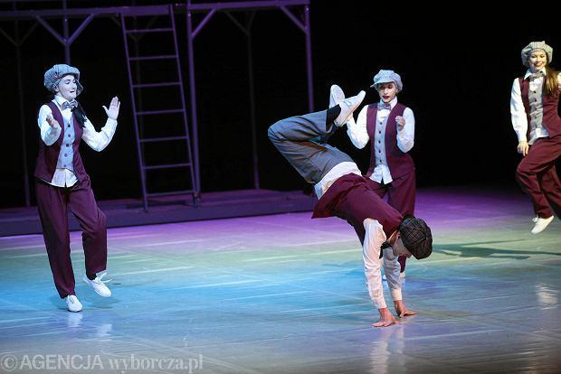 Zdjęcie numer 55 w galerii - Cheerleaderki rywalizują w Kielcach. Bo taniec nie jedną ma twarz [ZDJĘCIA]