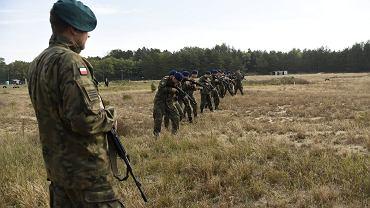 Wojsko współpracuje ze szkołami i uczelniami, szkoląc chętnych na rezerwistów i dając im łatwą drogę do wstąpienia do służby