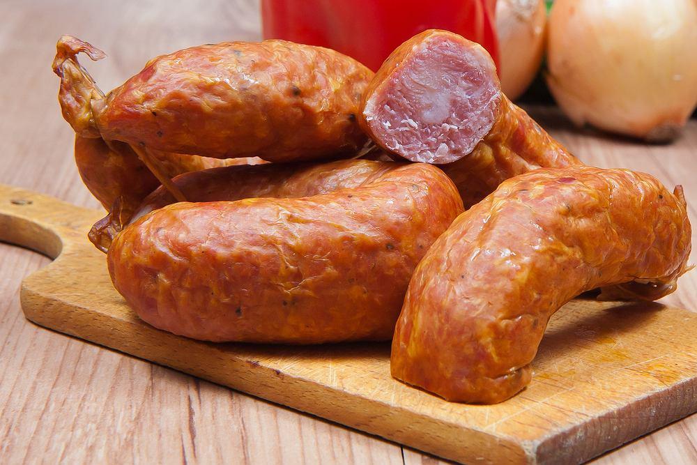 GIS wydał ostrzeżenie: Kiełbasa śląska z szynki marki Olewnik może zawierać groźne bakterie. Jeśli ją kupiliście, nie jedzcie!