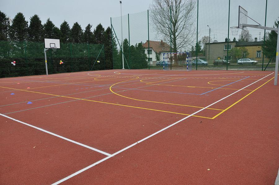 Częstochowa - boisko szkolne (zdjęcie ilustracyjne)