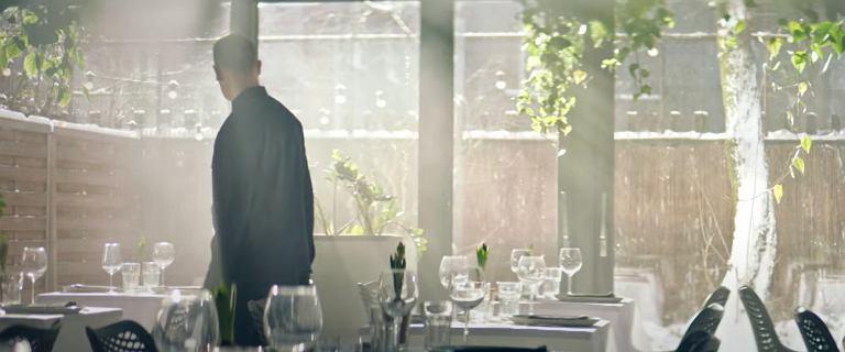 """Restauracja wystąpiła w rządowym spocie, teraz się odcina. """"Fikcja"""""""