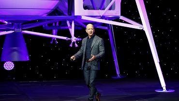 Jeff Bezos, szef Amazon i właściciel Blue Origin, prezentuje koncept lądownika Blue Moon