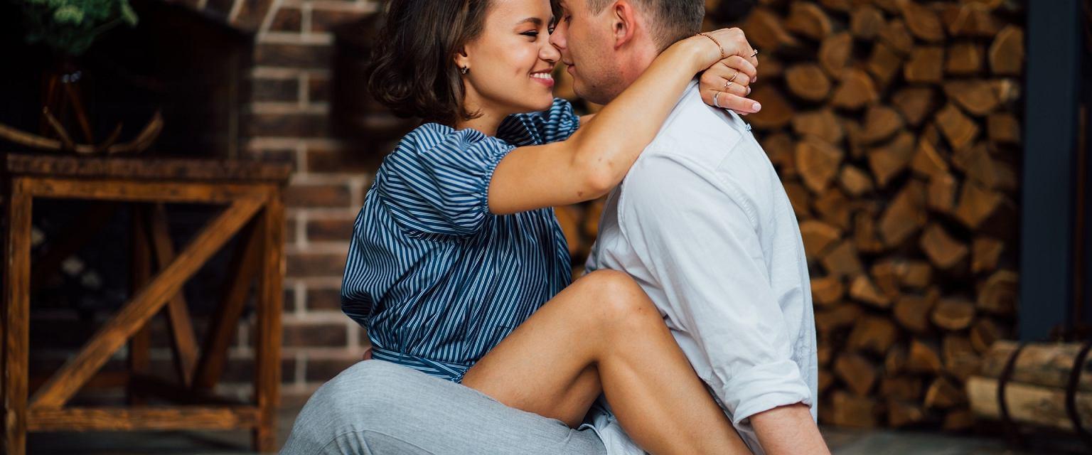 Zaburzenia pożądania bowiem mogą mieć podłoże somatyczne, psychologiczne, społeczne czy wynikać z tego, co się dzieje w relacji między partnerami (Shutterstock.com)