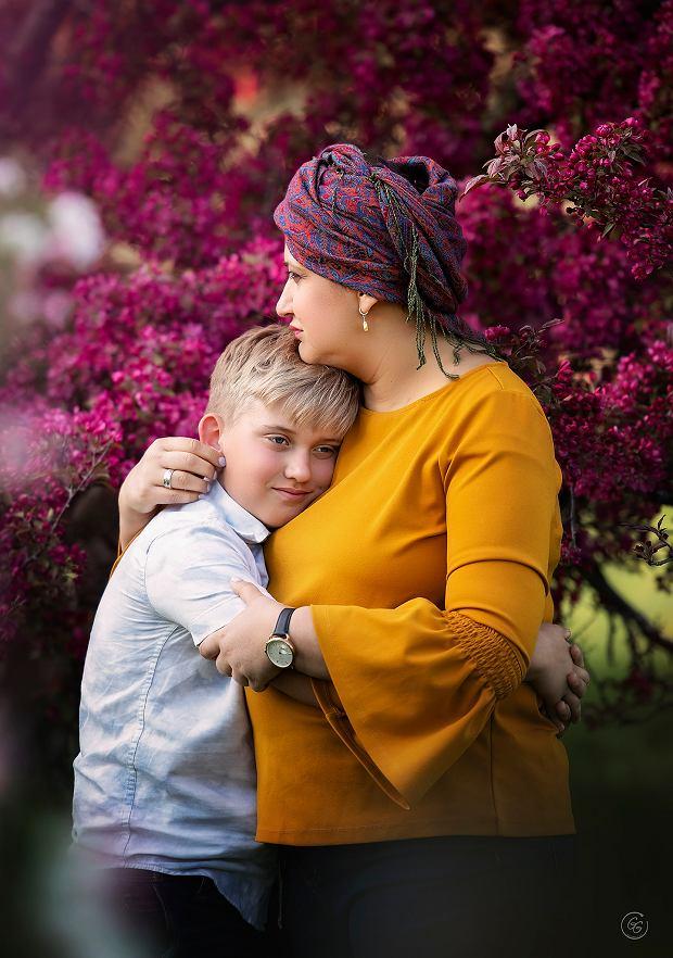 Viktorija z synem. Kobieta walczyła z nowotworem piersi